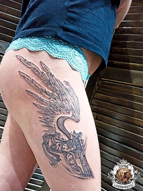 сделать тату на ноге пистолет с крыльями в Красноярске