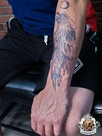 сделать тату на руке орел в Красноярске