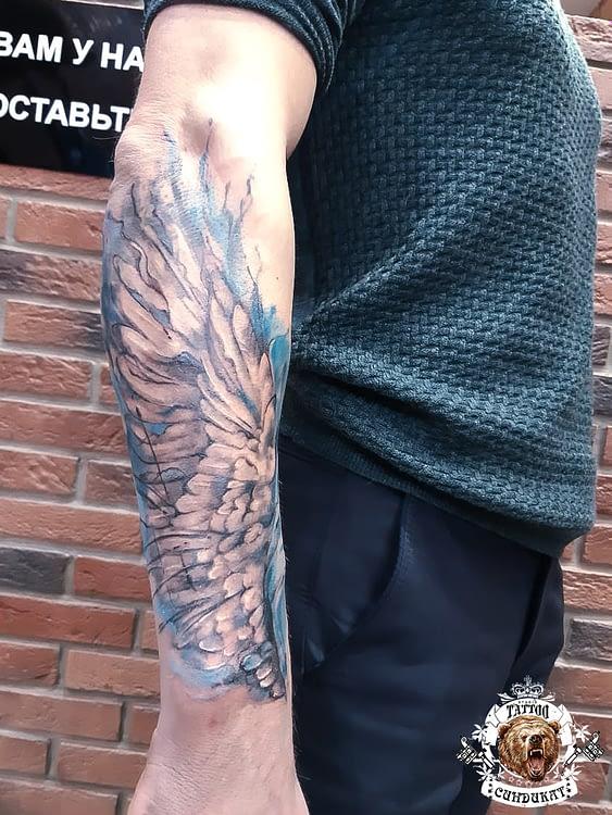 Сделать тату на руке крылья в Красноярске