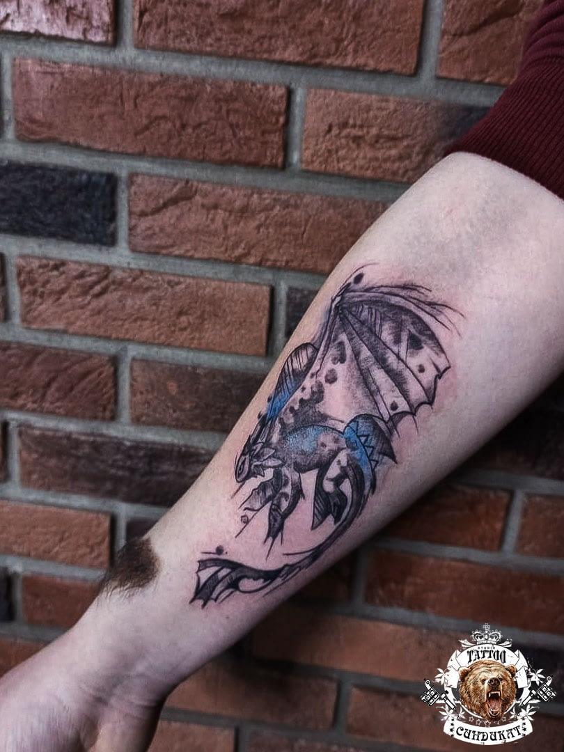 Сделать тату на руке дракон в Красноярске
