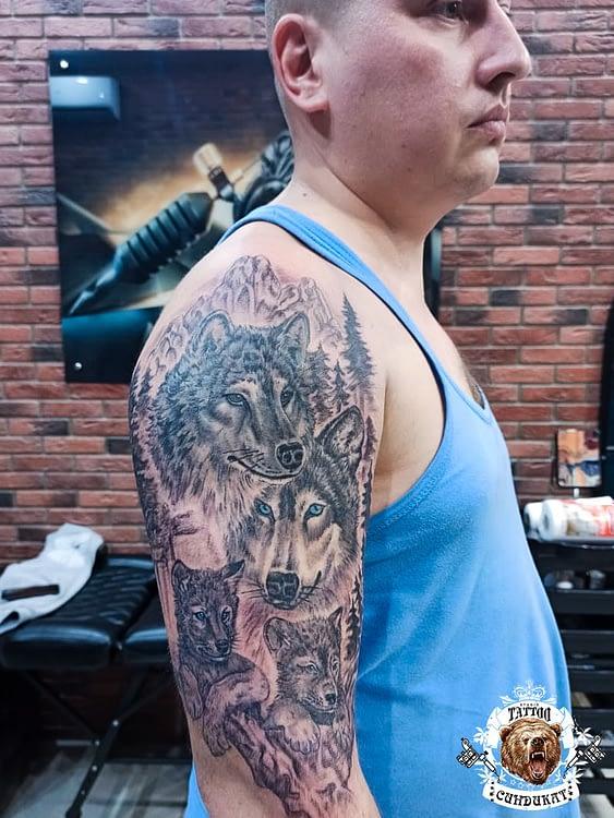 сделать тату на руке волки в Красноярске
