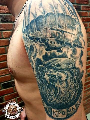 Сделать тату на плече ВДВ медведь в Красноярске фото