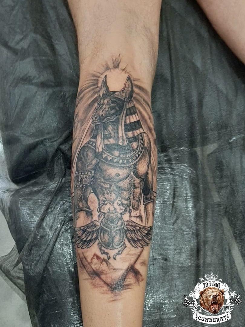 Сделать тату на руке египетский бог в Красноярске