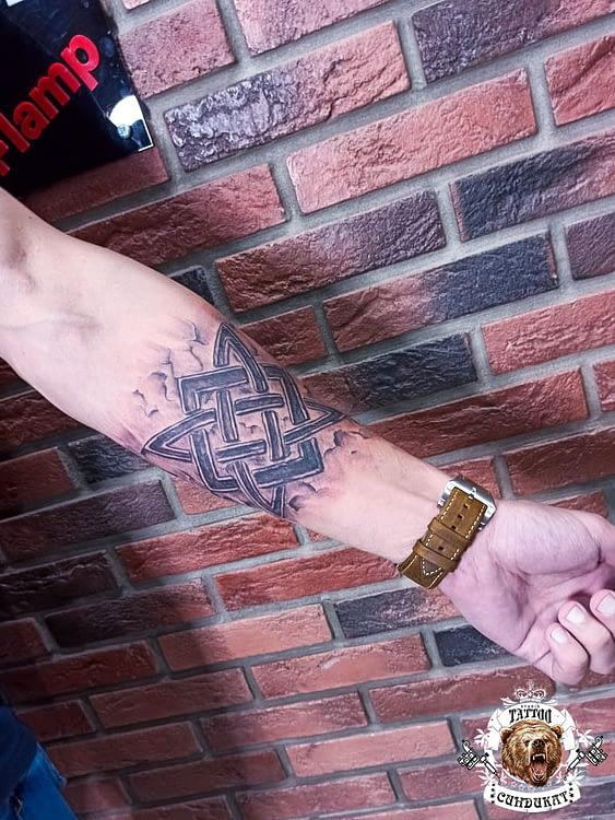 сделать тату на руке валькирия в Красноярске