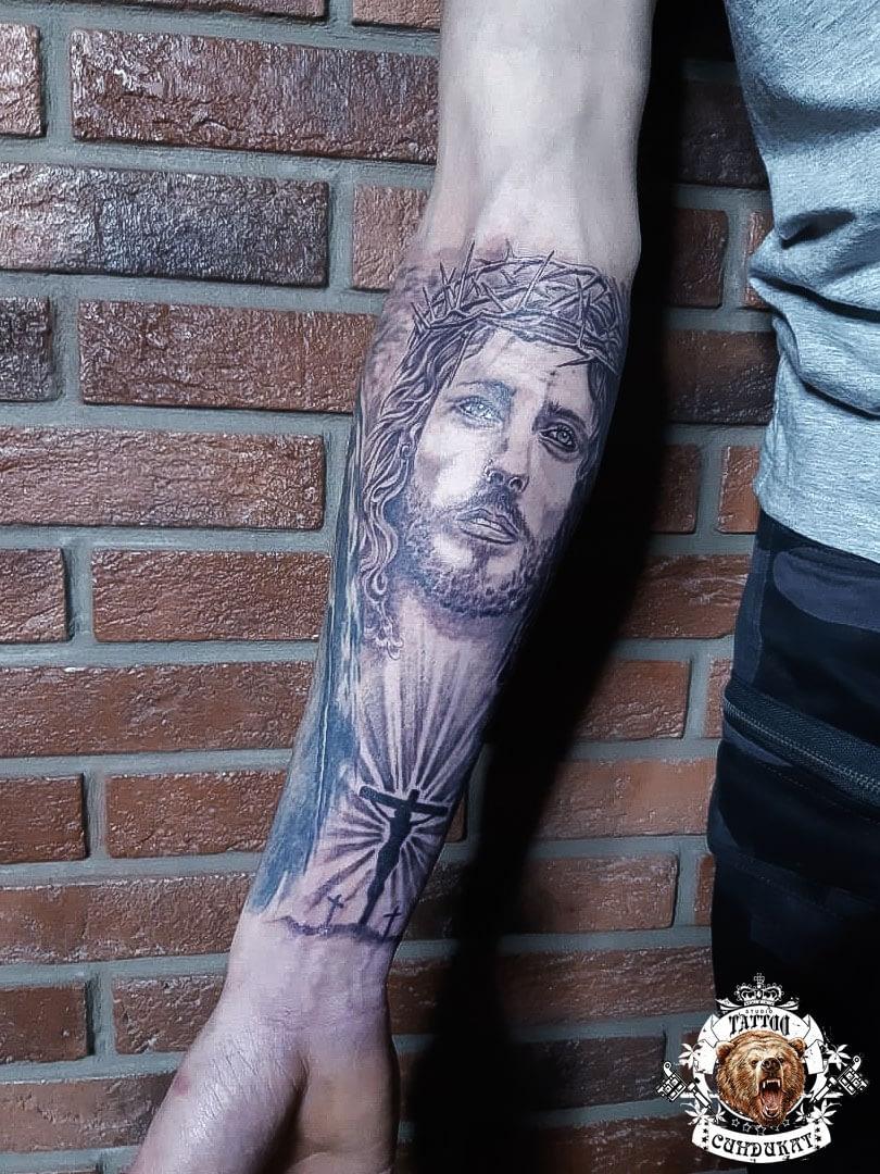 сделать тату на руке иисус в Красноярске