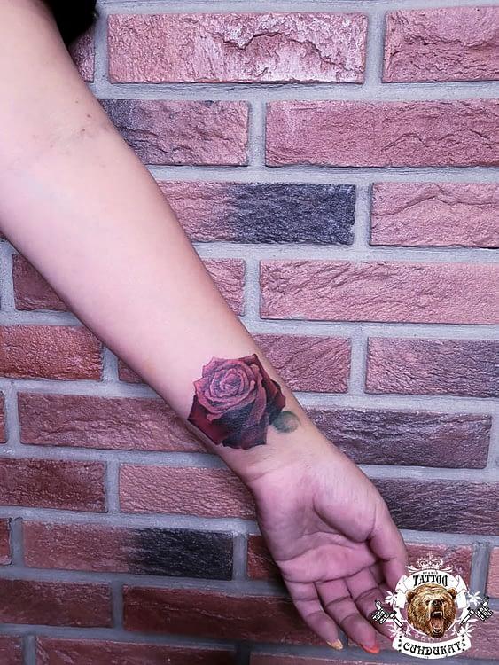 сделать тату на руке роза в Красноярске
