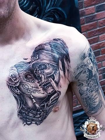 сделать тату на груди девушка целуется со скелетом в Красноярске