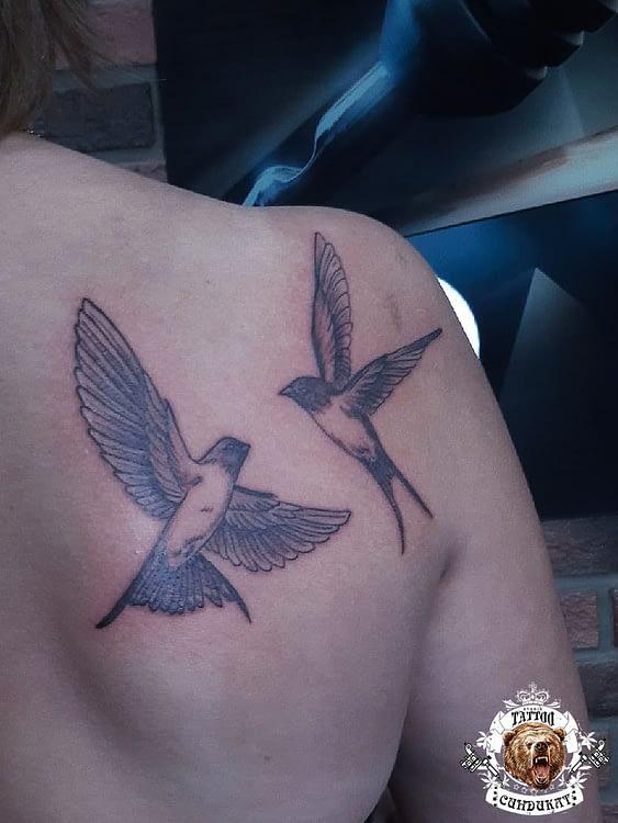 сделать тату на лопатке птицы в Красноярске