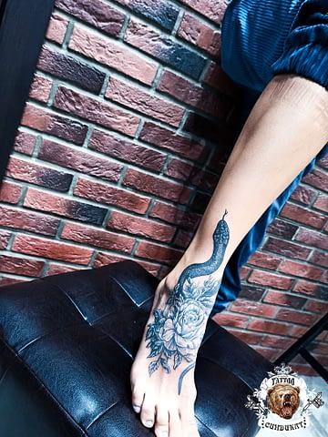 сделать тату на ноге змея в Красноярске