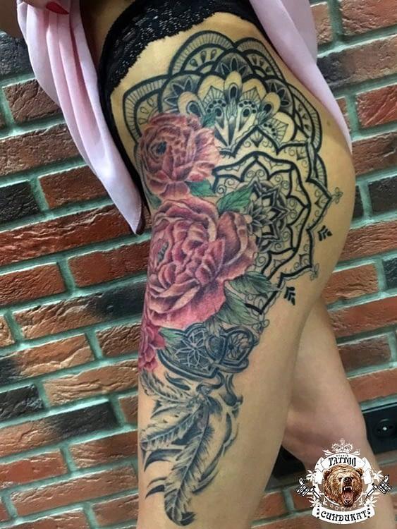 сделать тату на ноге узор из цветов в Красноярске