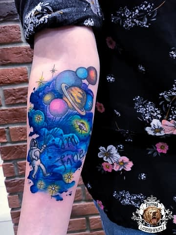 сделать тату на руке планеты космос в Красноярске