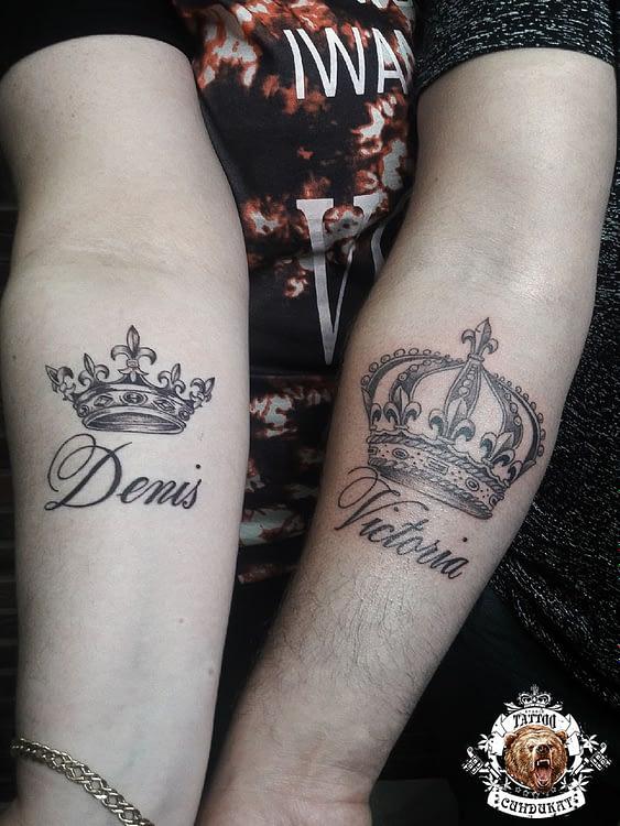 Сделать тату парное на руках короны с именами в Красноярске
