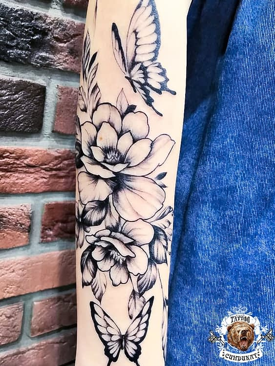 сделать тату на руке бабочки и цветы в Красноярске