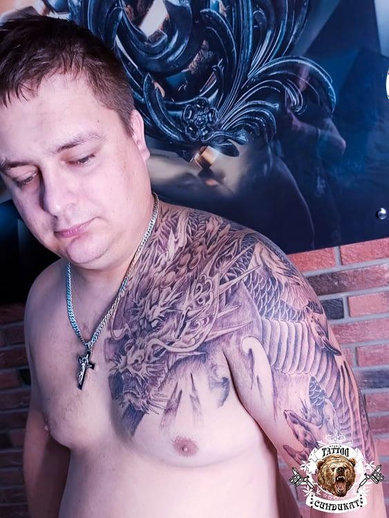 сделать тату на плече японский дракон в Красноярске