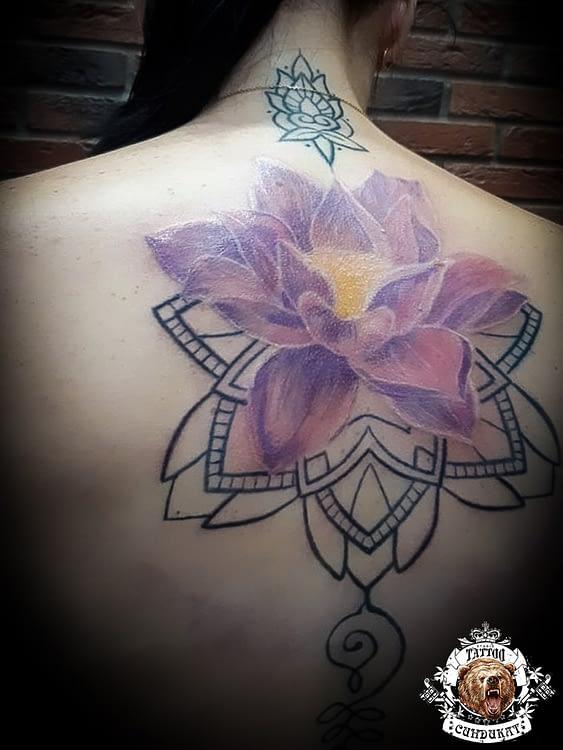 Сделать тату на спине цветок лотос в Красноярске