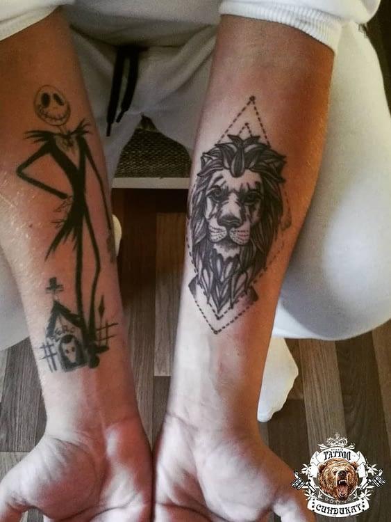 сделать тату на руках лев