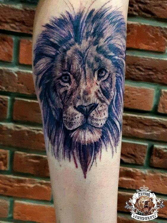 Сделать тату на руке лев в Красноярске фото