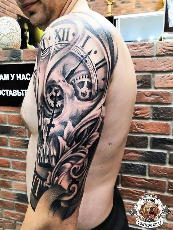 сделать тату на руке часы абстракция в Красноярске
