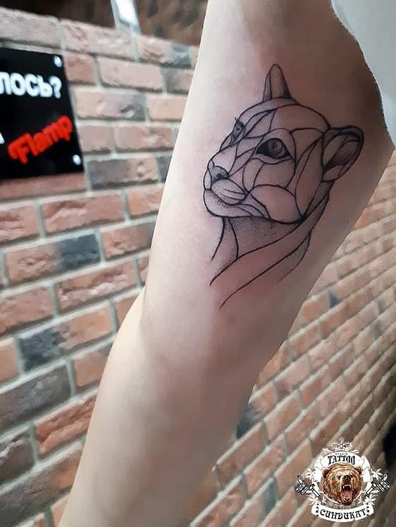 Сделать тату на руке кошка графика в Красноярске